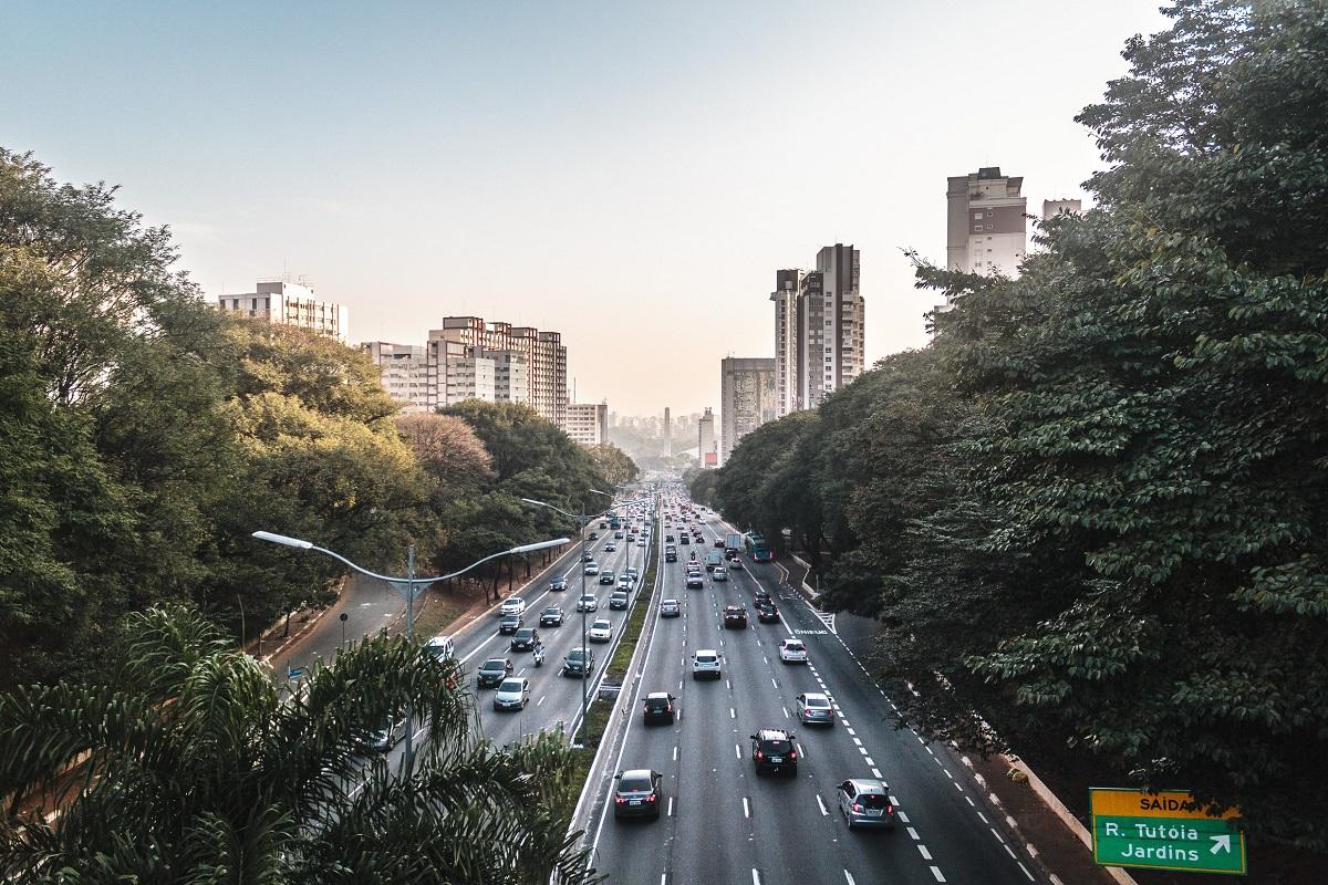 álcool ou gasolina: qual polui menos?
