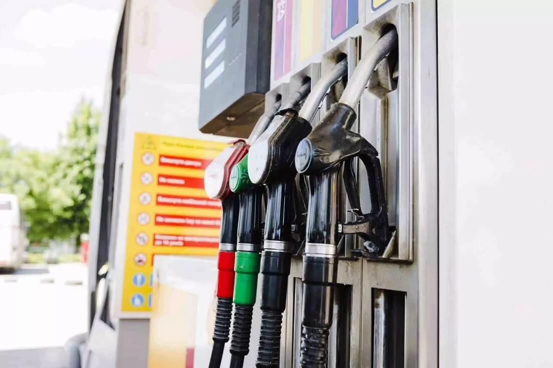 Bomba de posto com mix de combustíveis: GNV, gasolina e etanol