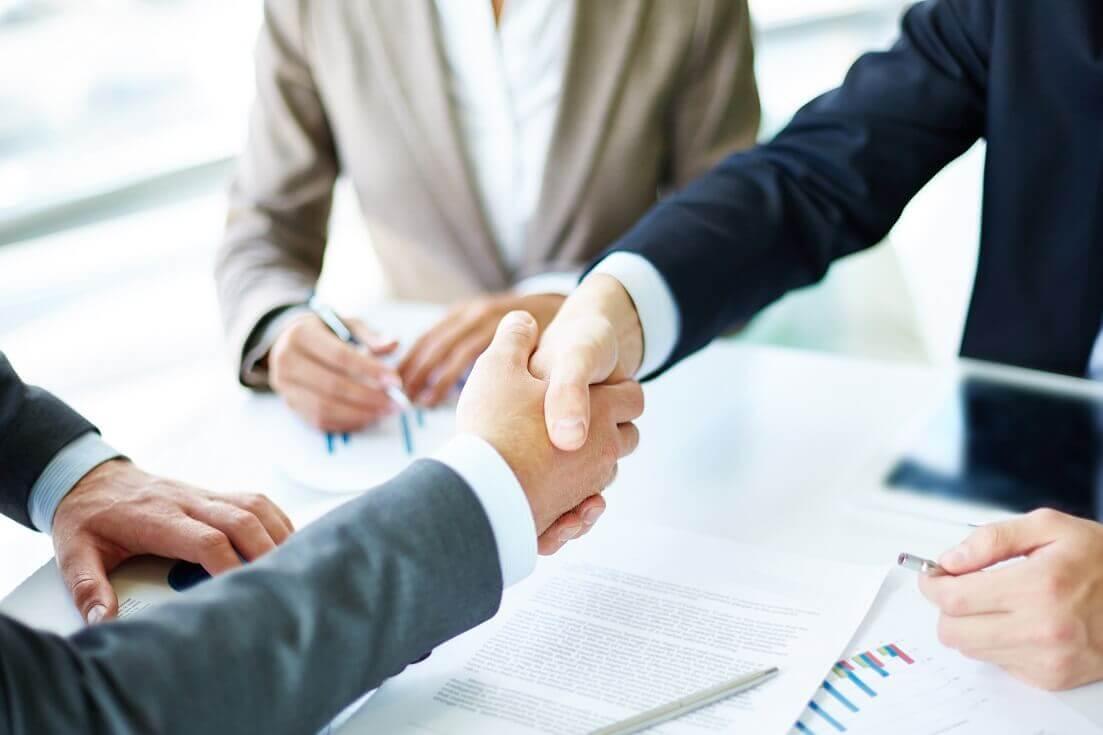 Implementar programas de incentivo na sua empresa é uma maneira de valorizar os colaboradores