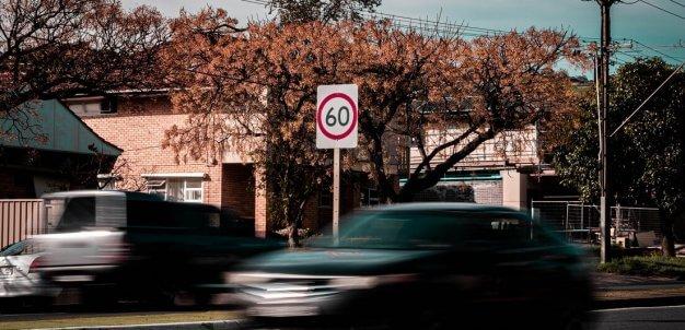 Conheça as melhores práticas de direção segura